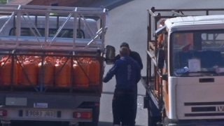 Raw: Spanish Police Fire on Stolen Gas Truck