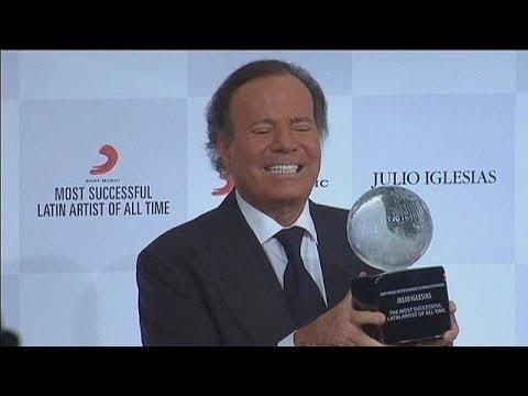 Julio Iglesias, el mejor cantante latino de todos los tiempos - le mag