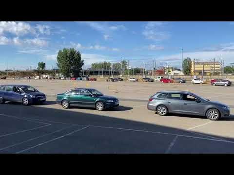 Las pruebas de PCR, en el parking del Reino de León