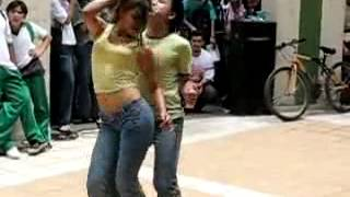 Repeat youtube video رقص مغري جدا