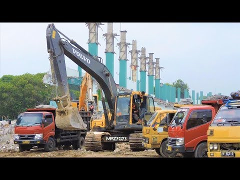 Demolition Excavator Working Compilation VOLVO EC210B Abbruch Bagger Aktion