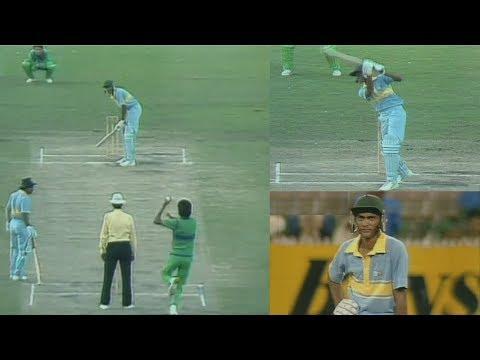 Young Azharuddin vs Mighty Pakistan Bowling   Azhar's Brave Match Winning 93 in a Tough Run Chase
