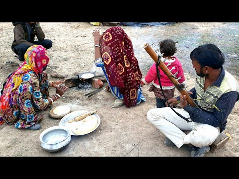 RAJASTHANI WOMEN COOKING FOOD💕Village life of India💕Rural Life of Rajasthan💕Indian Villager life
