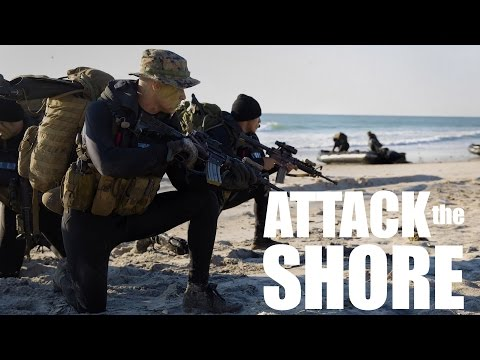 Bold Alligator 14: Recon and Amphibious Assault Marines Attack the Shore