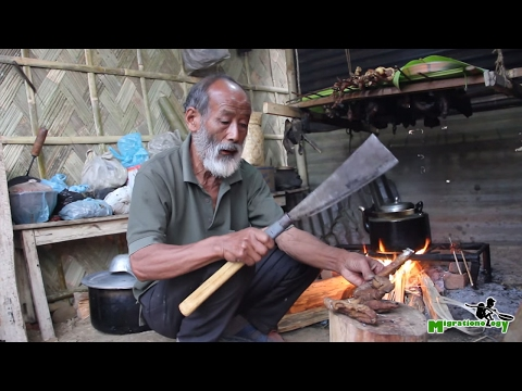 Indian Village Food in Nagaland - Fire Roasted Pig Intestine