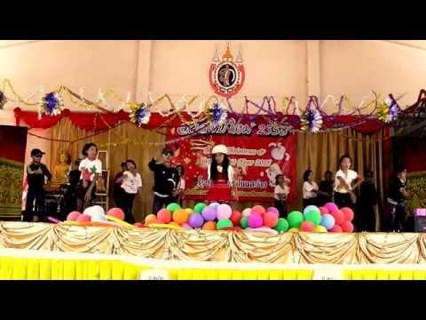 โรงเรียนบ้านโนนสว่าง สพป.บึงกาฬ - การแสดงชั้น ป.4/1 ปีการศึกษา 2557