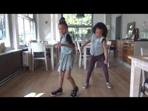 Everybody Dance Now twins Yarah en Norah