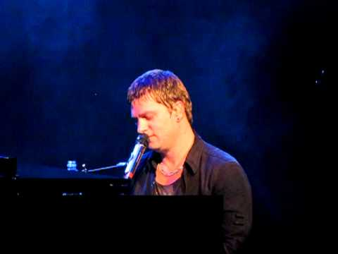 4. Streetcorner Symphony - Rob Thomas - Atlantic City 8/22/10
