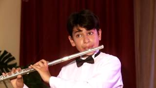 И. Кванц - Концерт соль-мажор для флейты с оркестром 1 часть. Джафаров Тимур