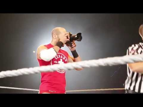 Entrance Cesaro: WWE Live In Stuttgart – 14. November 2015
