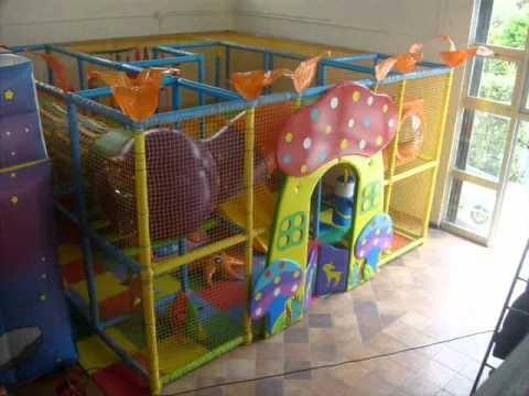 Presentazione playground tutto gonfiabili youtube for Giostre gonfiabili usate