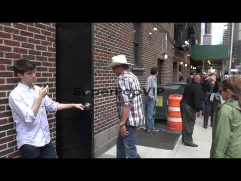 Alan Jackson at the 'Late Show with David Letterman' stud...