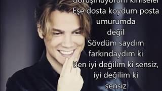 Sinan Akçıl feat. Ferah Zeydan - İyi Değilim LYRICS