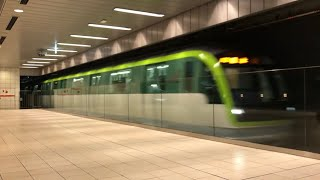 【近未来感が半端ない!!】福岡市営地下鉄七隈線3000系 天神南駅到着