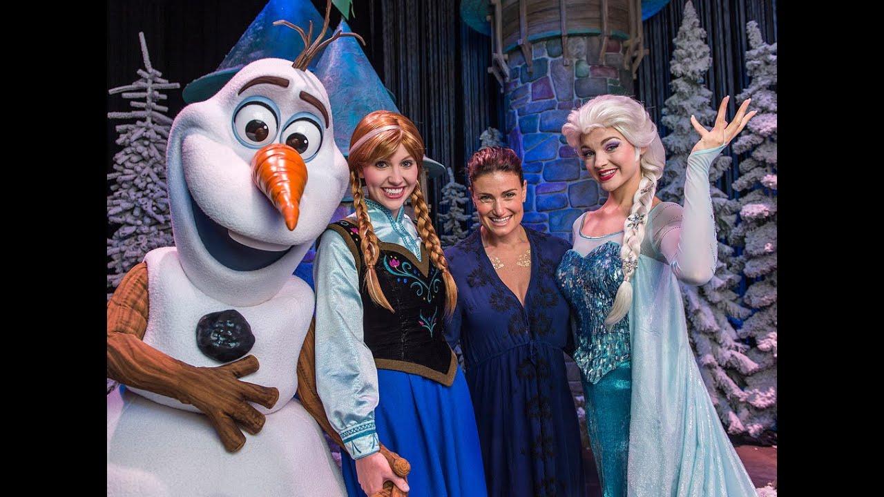 Anna Elsa In Disneyland Paris Youtube