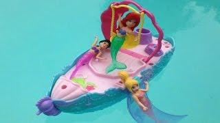 ألعاب بنات باربي في حمام السباحة - قصر و قارب حورية البحر Ariel boat