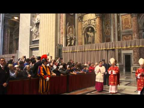 Mass procession - Pope Benedict XVI