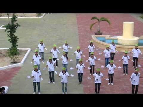 Dân vũ rasa sayang 10a1 Phan Chu Trinh high school