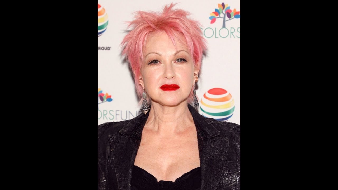 Cyndi Lauper Reveals Why She Still Loves Having Pink Hair Youtube