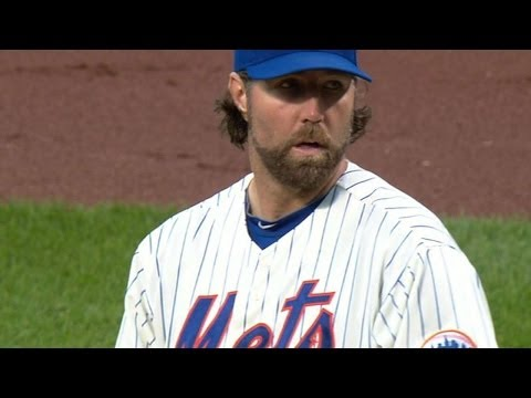 BAL@NYM: Dickey throws his second straight one-hitter