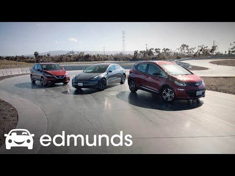 Electric Trio: The Chevrolet Bolt, Nissan Leaf and Tesla Model 3 Square Off |  Edmunds