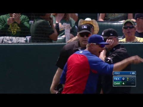 TEX@OAK: Banister ejected for arguing foul ball