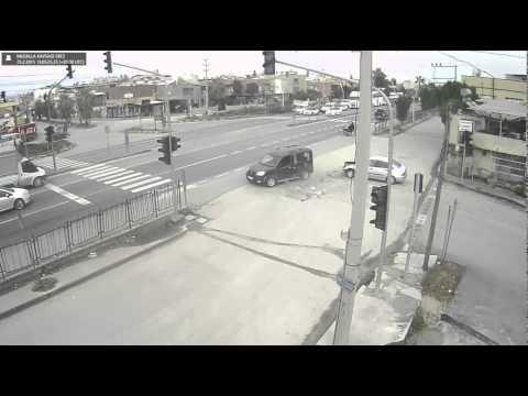 Tarsus'ta Trafik Kazaları Mobese Kameralarına Yansıdı--tarsusmedya.com