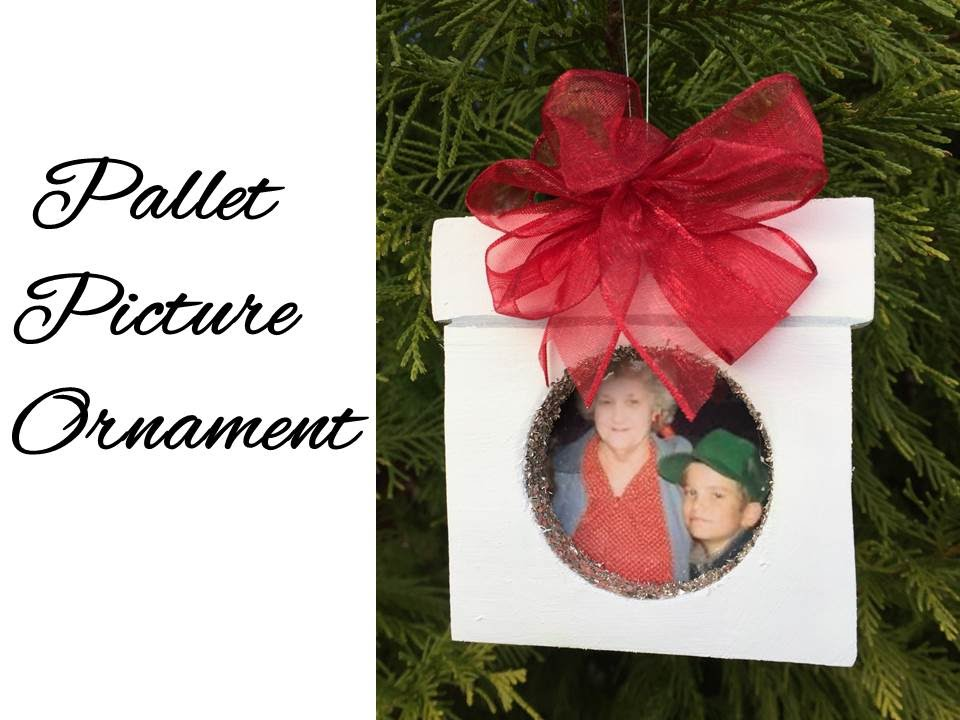 Diy Pallet Picture Frame Ornament Youtube