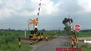 Kereta Api (Album 18) : Indonesian Railroad Crossing - Perlintasan Kereta Api Di Klaten DAOP 6 YK