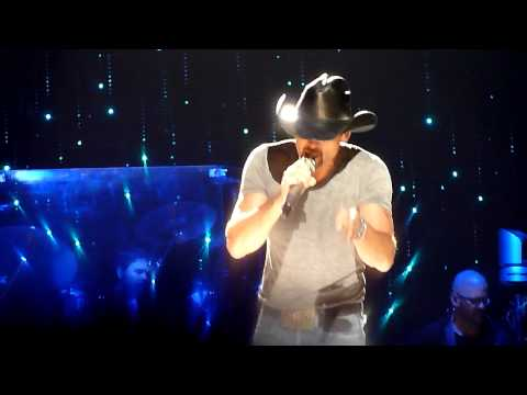 Tim McGraw - Better Than I Used To Be - Allphones Arena Sydney - 27th March 2012