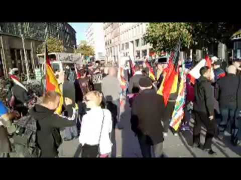 LIVE: Berlin #MerkelMussWeg-Demo 30.04.2018