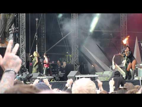 Motley Crue : Kickstart My Heart @ Download Festival 2015