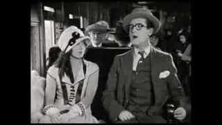 Slapstick clips - Girl Shy (1924) - 2