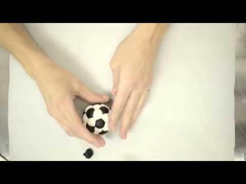Kako da napravite fudbalsku loptu od fondana