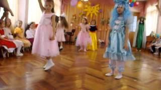Танец марионеток.AVI
