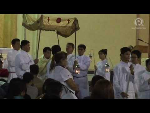 Holy Week 2017: Procession of Blessed Sacrament at Filipino Mass in Qatar