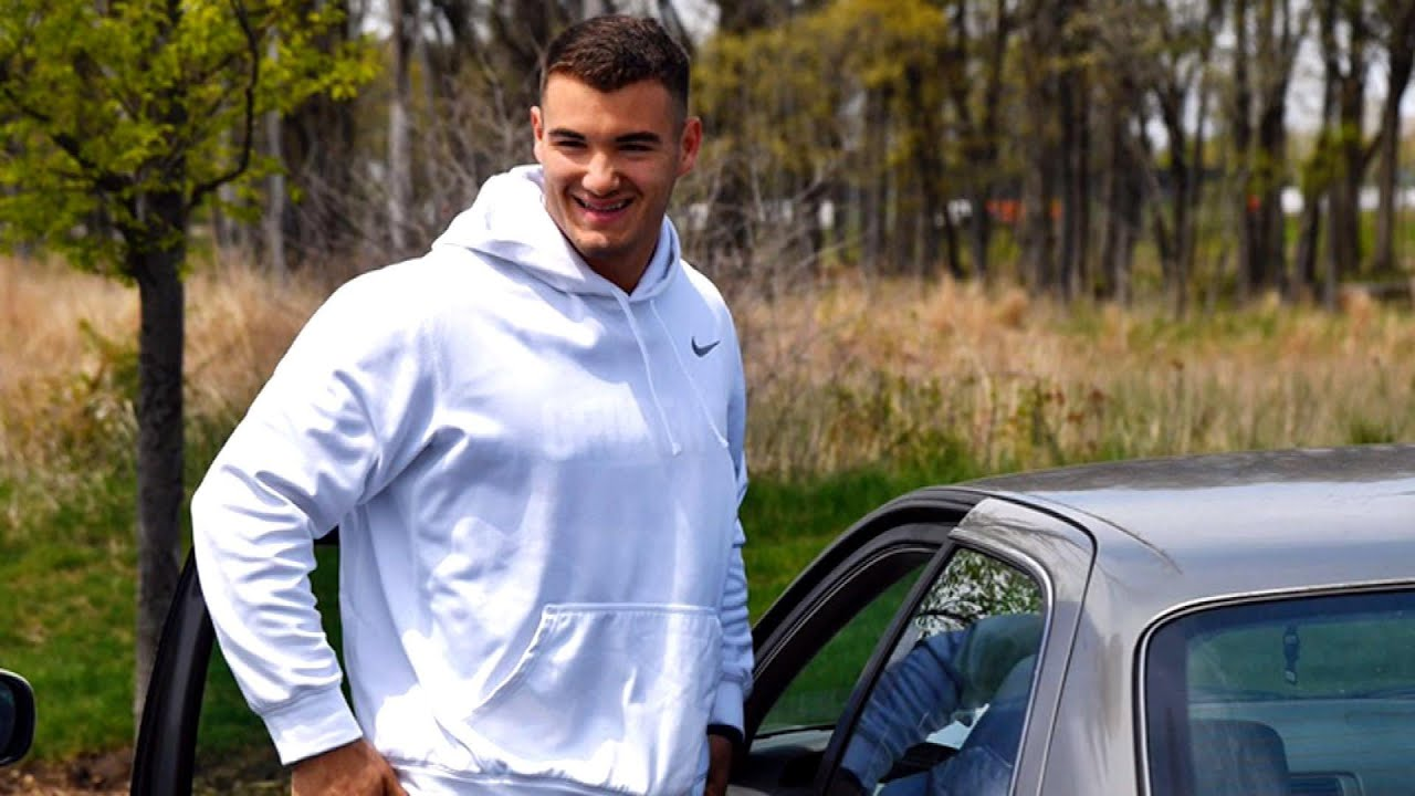 Mitchell Trubisky shows up for work in '97 Camry