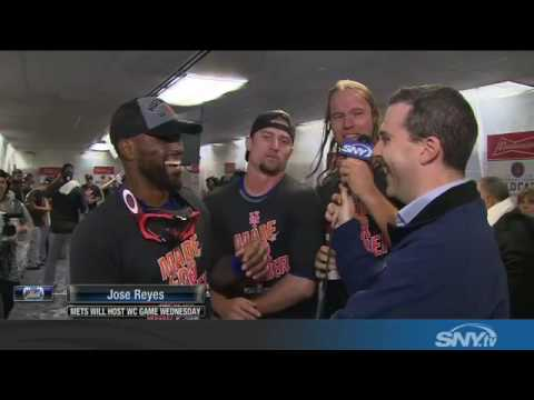 Jose Reyes celebrates his return to postseason with Mets