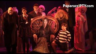 En el back y front stage de Los Locos Addams