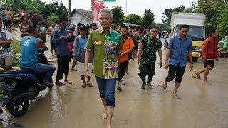 Ganjar Pranowo Langsung Telepon Bupati Demak Begitu Tahu Ada Sungai yang Meluap