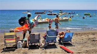 Playa los Álamos o el Cañuelo de Torremolinos en Málaga, Andalucía