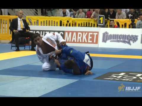 Michael Langhi v JT Torres - 2014 IBJJF Worlds Black Belt Lightweight Semi-Final