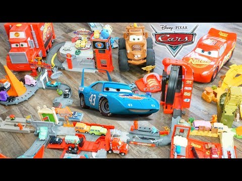 Disney Cars HUGE Story Set Playset With Radiator Springs Florida 500 Race Haulers And Diecasts