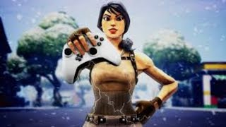 Fortnite playing controller *Come 1v1 me if yhu want* *i need to get better*