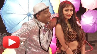 bhau-kadam-shooting-a-romantic-song-reshmi-rumaal---vajlach-pahije-marathi-movie