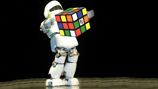 It takes 0.9 seconds for this robot to solve a Rubik's Cube