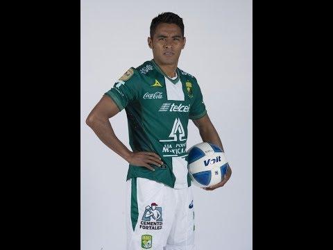 """José Juan Vázquez - """"Gallo De Pelea"""" - Road To Brazil 2014"""