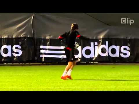 Tài năng trẻ của Bayern phô diễn kỹ thuật