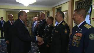 Նախագահը ՌԴ պետական տոնի առթիվ այցելել է ՀՀ-ում Ռուսաստանի դեսպանատուն