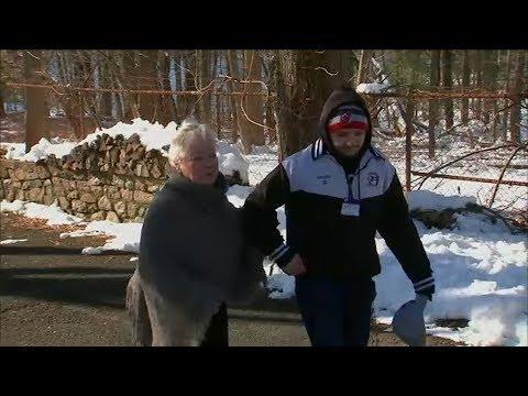 The Mo & Sally Show - High Schoolers Shovel Snow For Their Neighbor On Dialysis